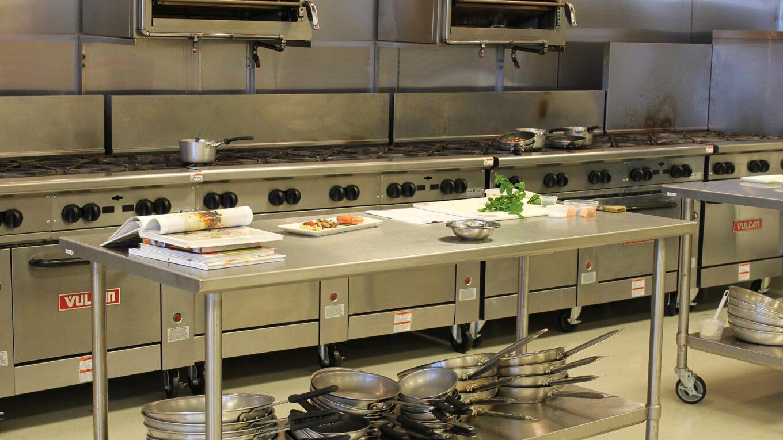 nagykonyhai berendezések egy konyhában